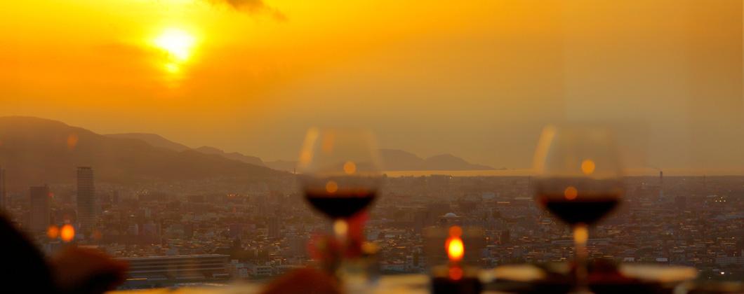 夜景とともに楽しむレストラン&バー